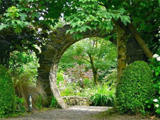 Hollymount Hall Town Archway